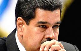 The Venezuelan president Nicolás Maduro is reportedly so desperate to pay the US$ 3.7 billion in debts that he is selling off the assets to Russia.