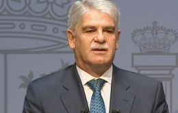 "The statement from Dastis was interpreted as a ""message of calm"" to Spaniards who work in Gibraltar, saying their interests will be kept in mind by Spain."