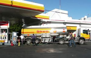 The assets, including a 113,000 barrel-per-day refinery in Buenos Aires, were put on the block as part of Shell's program of asset sales