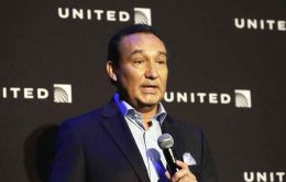 United said a prior employment agreement with Mr. Munoz had been reversed, so he would not become chairman of the board in 2018