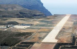 The airport fulfills the UK Government's commitment to maintaining access to St Helena and provide it with a real opportunity for economic growth