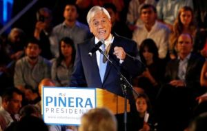 The bloc's inability to agree on a single candidate gives a clearer run to election frontrunner ex president Sebastian Piñera, who is backed by right-wing coalition.
