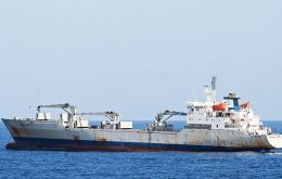 "The ""Uruguay Reefer"" called for help when she was sailing some 100 nautical miles west from Elephant Island."