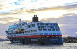 The Antarctica Norwegian cruise vessel Midnatsol has confirmed that Punta Arenas will continue to be its operational base