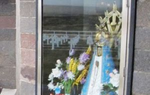Members of Malvinas Families also allegedly asked for a small chapel to be built at the cemetery to protect the hermitage with the Virgin and the Cross
