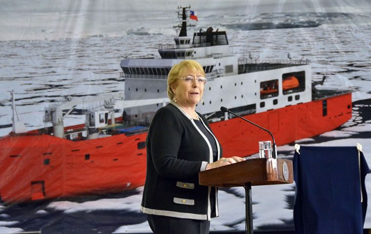 """It's a great day for Chile and a great honor for me to participate in the steel plate cutting ceremony of this new icebreaker"", said president Bachelet"
