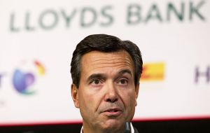 At last week's annual meeting, Lloyds CEO Antonio Horta Osorio told shareholders he expected the government to make at least £500m from the bailout.