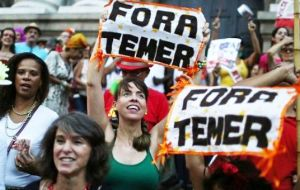 "Anti-Temer protesters gathered in Sao Paulo and other major cities banging pots, honking horns and yelling ""Temer out!"""
