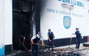 Looting and attacks against security installations erupted overnight in the state of Tachira, which borders Colombia, authorities said.