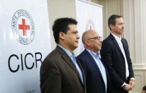 ICRC Buenos Aires office head Diego Alonso Rojas Coronel, ICRC Regional Delegate Lorenzo Caraffi and Humanitarian Project Plan (HPP) team head Laurent Corbaz