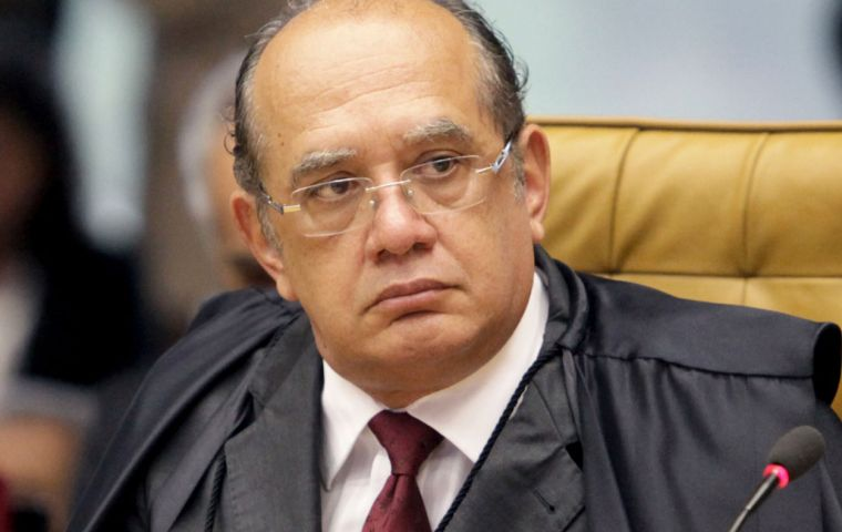 TSE voted 4-3 to exclude plea-bargain testimony of Odebrecht executives after chief judge Gilmar Mendes said any ruling had to consider the stability of Brazil