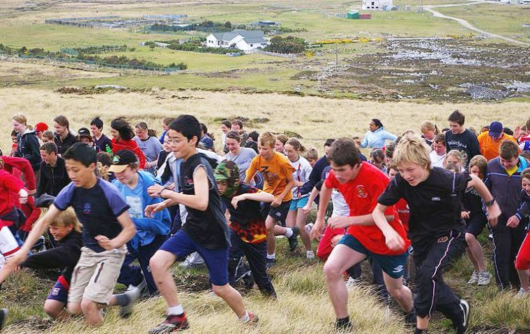 The 2016 census shows that Falklands population increased by 360 people over the four years since the April 2012 census, reaching 3,200 persons in October 2016. (Pic PN)