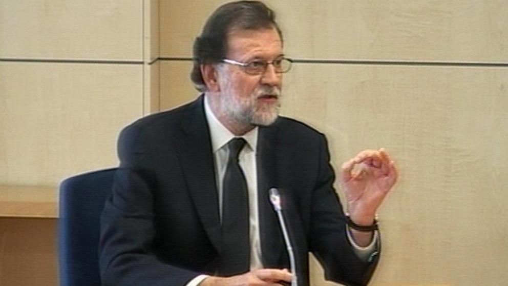 Mariano Rajoy becomes first serving Spanish Premier to testify as