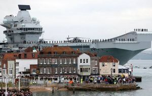 British aircraft carrier HMS Queen Elizabeth into Portsmouth Harbour. (Pic  Innes Marlow)