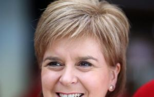 "Ms Sturgeon posted an initial reaction to the customs union plan on Twitter, saying: ""Seems UK gov is back to its daft 'have cake and eat it' approach to Brexit"""