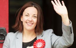 "Ms Dugdale said it had been an ""honor and a privilege"" to serve as Scottish Labour leader for 2,5 years, adding her resignation would take immediate effect."