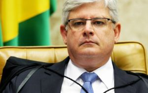 Prosecutor Rodrigo Janot, alleged that eight members of the Workers Party, including Lula and Rousseff committed a series of crimes involving Petrobras