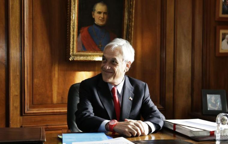 Piñera, who was president of Chile between 2010 and 2014, captured 34% of voter intentions in the survey by GfK Adimark, up from 32% last month.