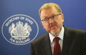 Mundell will start a three-day program during which he will seek to strengthen ties with Argentine society and promote business opportunities for Scottish companies.