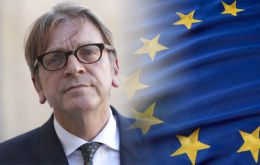 Verhofstadt is on a two-day visit to Ireland: he will meet Irish Prime Minister Leo Varadkar and address a joint committee of the Irish Parliament today, Thursday.