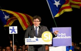 Catalan President, Carles Puigdemont, has told Catalans on Twitter how they can find a polling station to cast their votes - by using a special app.