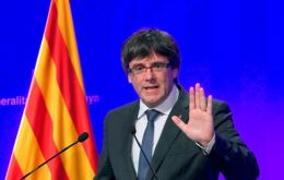 "At a news conference on Monday, Mr Puigdemont said: ""We don't want a traumatic break... We want a new understanding with the Spanish state""."