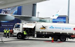 Geneva airport wants bio-fuel to have a one percent share of sales at the airport for a start, according to Matti Leivonen, the CEO of Finnish company Neste