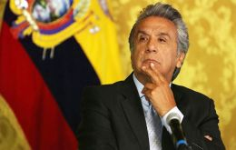 "The national Country Alliance party has unanimously decided and announces ""the immediate removal of Lenin Moreno as president of the Country Alliance party"""