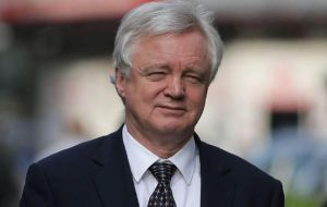 Five business groups wrote to Brexit Secretary, David Davis to warn that UK risks losing jobs and investment unless a transition deal is agreed by the end of the year.