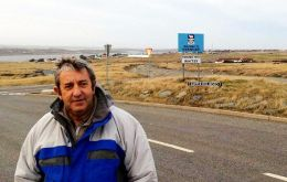 Senator Cobos is no stranger to the Falklands, he visited them in June/July 2014, before launching a presidential bid