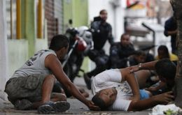 The average annual rate for violent deaths in Brazil is 29.9 murders per 100,000 inhabitants.