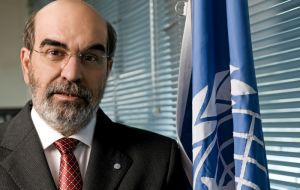 """The overuse of antimicrobials blunts their effectiveness, and we must reduce their misuse in food systems,"" says José Graziano da Silva, Director-General of FAO."