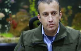 Vice President Tareck El Aissami chaired the meeting, during which he read a statement blaming US sanctions for delays to Venezuela's debt repayments.