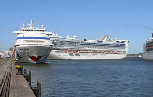 The best recent season has been 2013/14 when Montevideo and Punta del Este received 237 cruise calls.