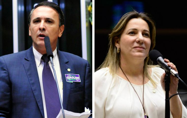 Carlos Gaguim and Dulce Miranda, lawmakers from Tocantins, are implicated in the bribery investigation, police said.