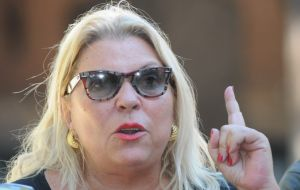 """We cannot sit in session with this violence,"" said Elisa Carrio, National Deputy for Buenos Aires and leader of the social liberal Civic Coalition ARI party."