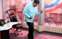 "Speaking during the program ""La Hora de la Salsa"", Maduro described how sad and miserable what he was seeing in Buenos Aires television made him feel"
