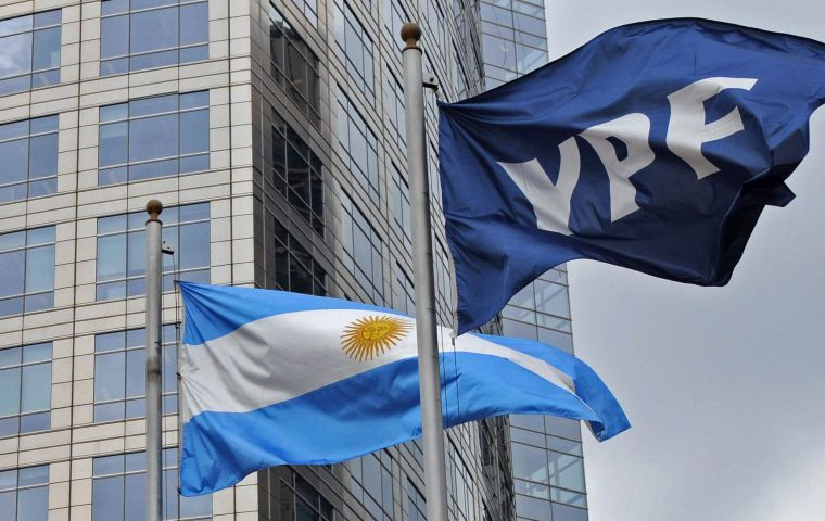 YPF was authorized to sell up to 115 million cubic meters of natural gas to Chile in exchange for methanol. The first gas export should occur within six months.