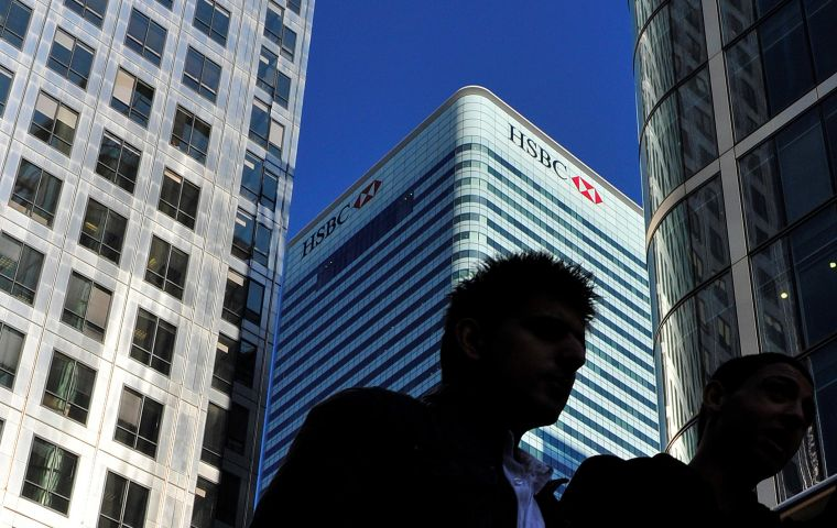 HSBC has said it is on course to move up to 1,000 jobs to France where it already has a full service universal bank after buying up Credit Commercial de France