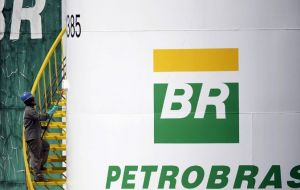 """Petrobras voluntary act paying US$3 billion to foreign shareholders indicates it should pay proportional values to Brazilian shareholders,"" said Andre de Almeida"