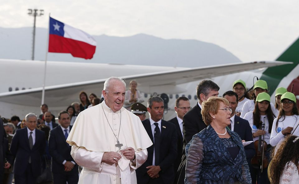 Churches attacked, Chile reviews security ahead of Pope's visit