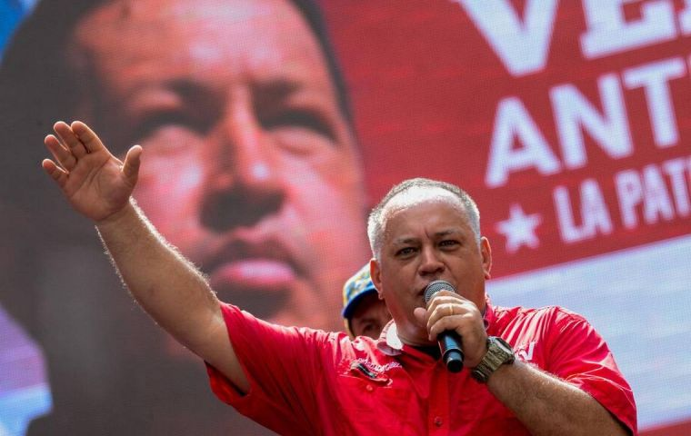 "Among those sanctioned are some ""big shots"" of the Government. As Diosdado Cabello."
