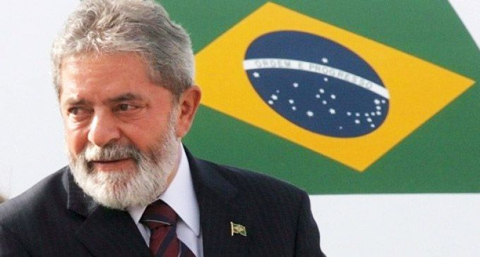 Ex-Brazil Head Lula Banned from Travelling Abroad Amid Bribery Scandal