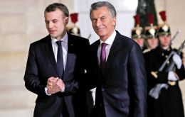 Macri arrived at the Elysée Palace on Friday, late in the evening, and was effusively received by Macron, followed by a meeting of an hour and twenty minutes.