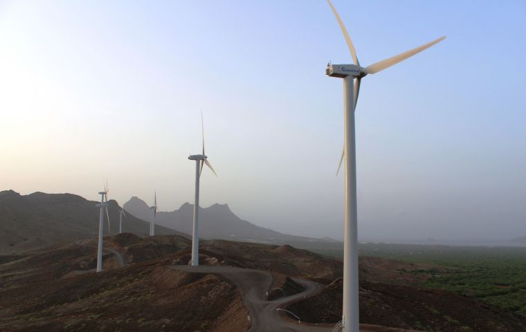 With the first stage of the Cabo Negro wind farm, the 2% alternative energy contribution can be expected to increase to 18% of local consumption