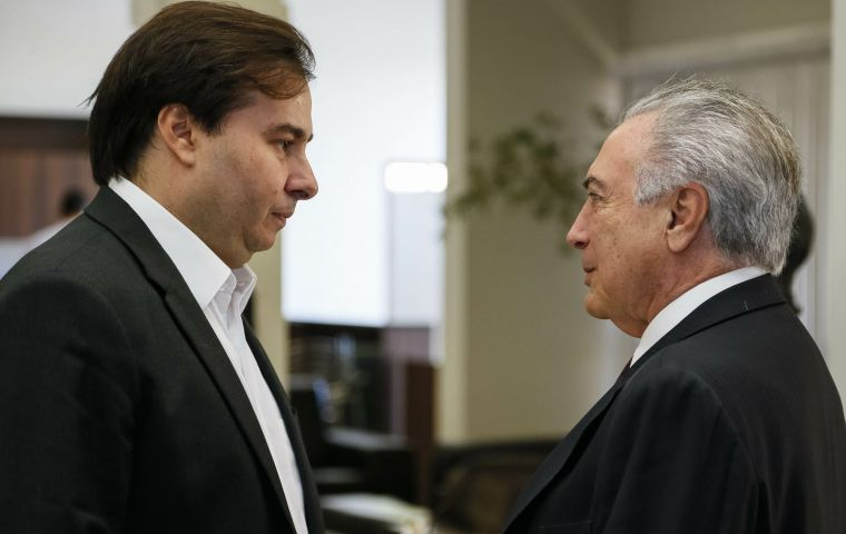 Congress leader Maia and Temer disagree regarding the better moment to vote the pension reform in the House.