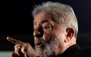 If he is allowed to run, Lula would lead the field with 34% of the vote in a scenario involving the most likely candidates, according to a Datafolha poll