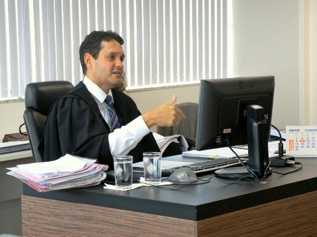 Judge orders former President Luiz Inacio Lula da Silva's passport be returned