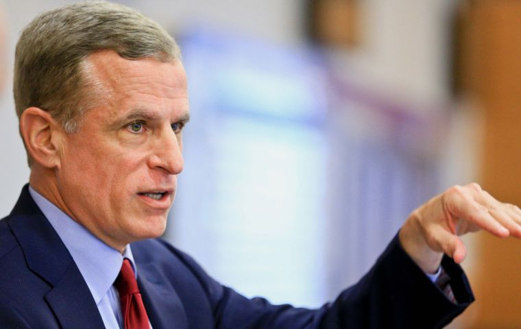 Dallas Fed president Robert Kaplan said that any removal of stimulus would be done gradually and patiently, without pre-commitment to any particular rate path.