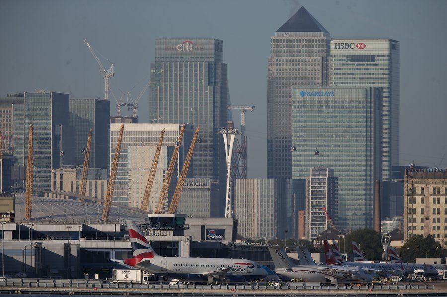 London Airport Reopend After World War 2 Bomb Removed From Thames